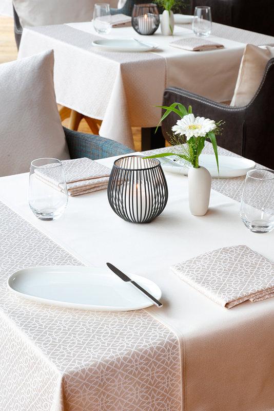 Neue Tischwäsche-Kollektionen von Wäschekrone