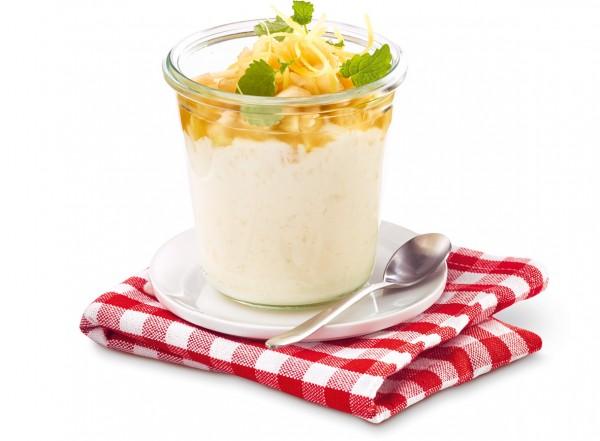 """Buttermilch-Dessert """"Apfel-Ingwer-Birnen-Salat"""" (Bildrechte/Urheber: frischli Milchwerke)"""