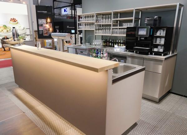 Die neuen PALUX Ecoline Thekenmöbel sind die qualitativ hochwertige Lösung für besondere hygienische und funktionale Ansprüche im Schankbereich. (Bildrechte/Urheber: PALUX)