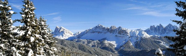 Die Arteserquelle von Plose liegt inmitten der idyllischen Südtiroler Dolomiten. (Bildrechte/Urheber: Plose Quelle AG)